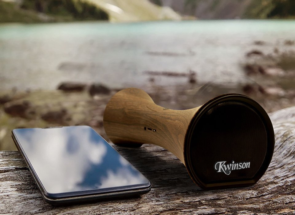 Enjoy Music With Outdoor Bluetooth Wireless Speakers
